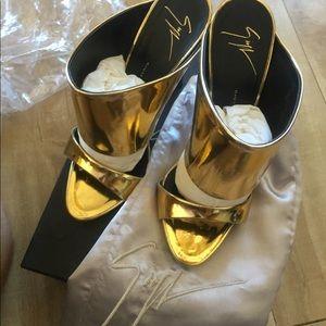 Giuseppe Zanotti Gold Metallic Mule 'Coline'